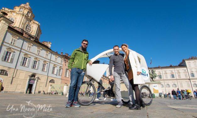 Turismo sostenibile: scoprire Torino a bordo di un risciò